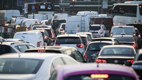 Île-de-France : record d'embouteillages battu avec 562 kilomètres de ralentissements, jeudi à 18 heures