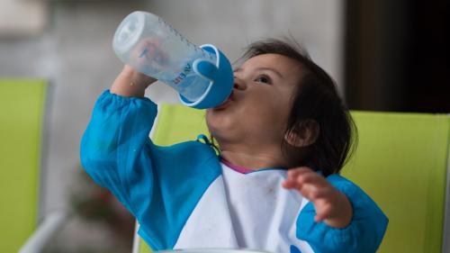Lait infantile : consultez avec notre moteur de recherche les 1 345 références retirées des rayons pour risque de contamination à la salmonelle