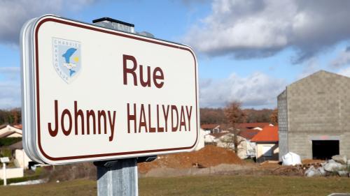 Seule commune de France à posséder une rue Johnny-Hallyday, une ville de l'Isère vend des plaques pour éviter les vols