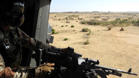 Au Niger, Macron renouvelle son soutien au G5 Sahel