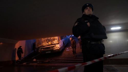 DIRECT. Moscou : la police privilégie la thèse de l'accident après qu'un bus a dévalé un passage souterrain, faisant cinq morts