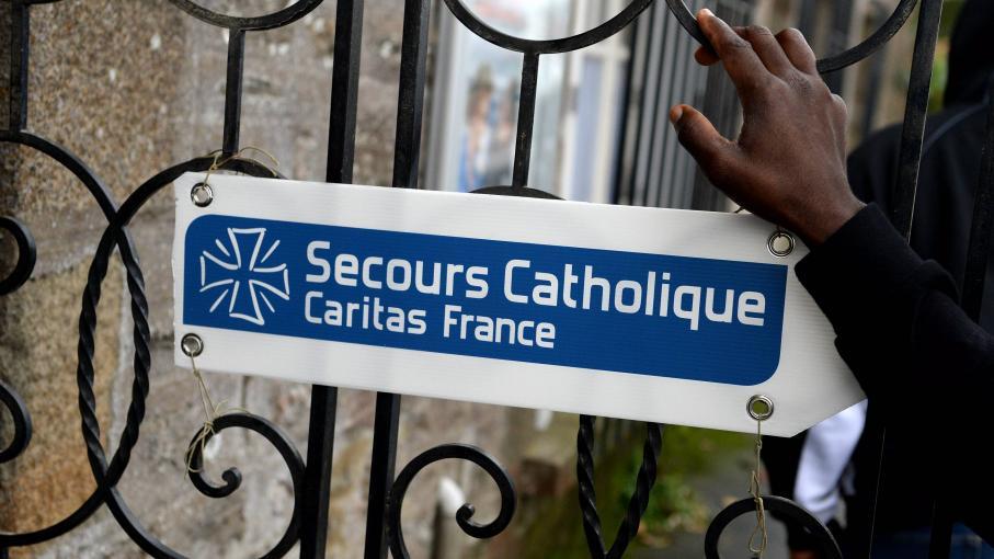 Le secours catholique va cr er une agence immobili re for Agence immobiliere qui accepte le cpas