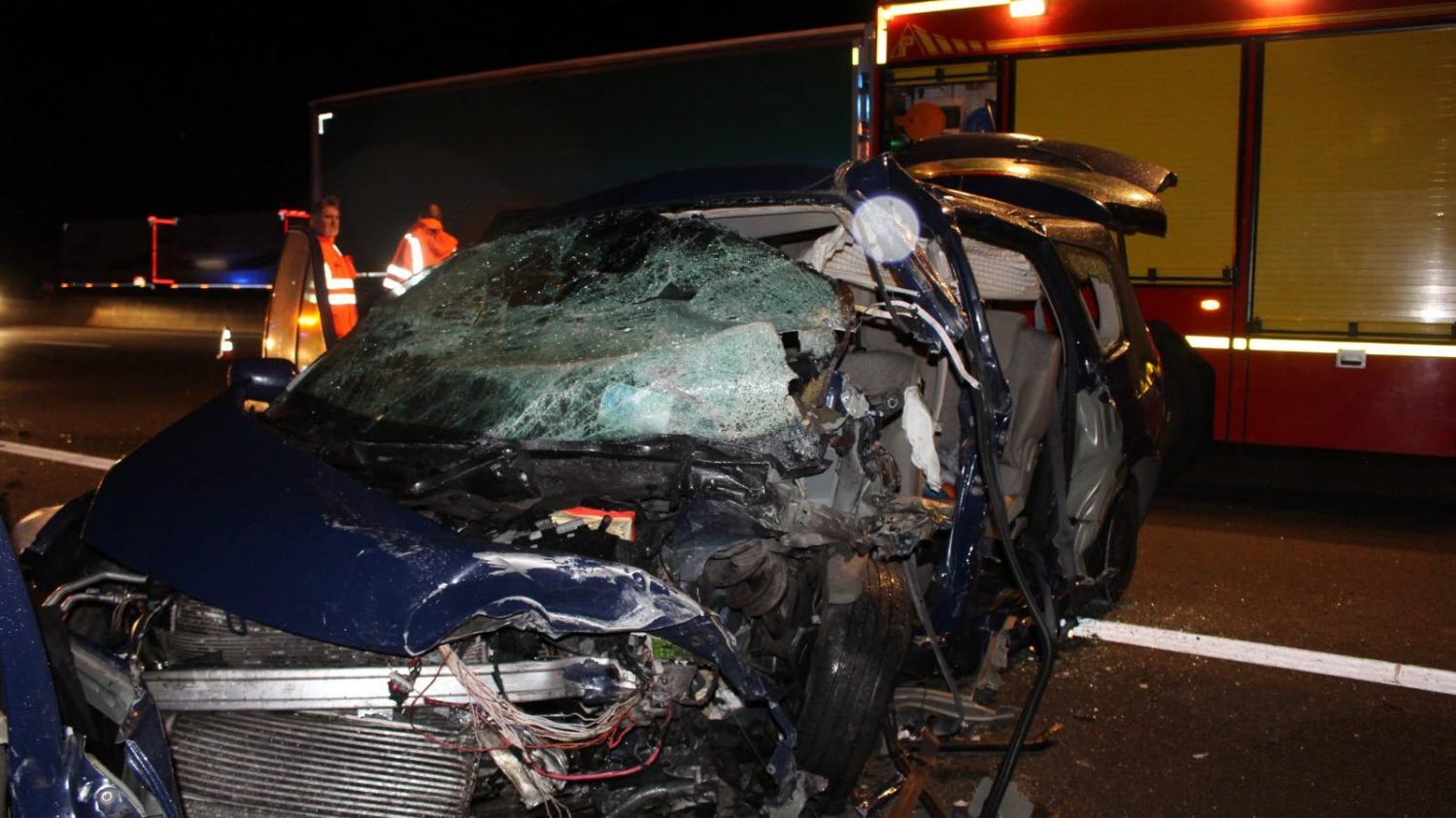 accident mortel sur l 39 a6 le conducteur qui roulait contresens tait positif l 39 alcool et au. Black Bedroom Furniture Sets. Home Design Ideas