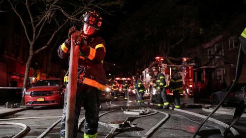 New York : au moins douze morts dans un incendie, le pire sinistre dans la ville depuis plusieurs décennies