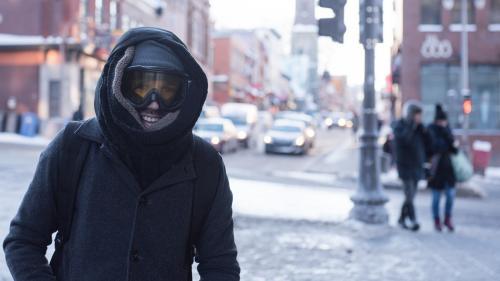 """""""L'intérieur de mon nez gèle"""" : à Montréal, la surprise des Français expatriés face à la vague de froid glacial"""