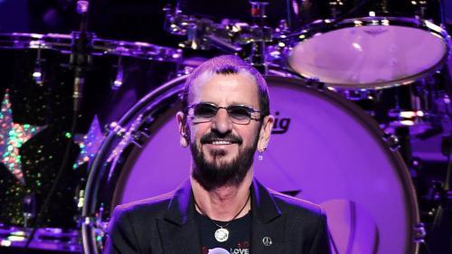 Royaume-Uni : Ringo Starr et Hugh Laurie distingués par la reine Elizabeth II