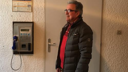 """""""Laissez-nous cette cabine !"""" : un village des Hautes-Alpes se bat pour garder son téléphone public"""