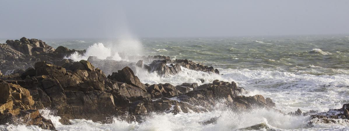 La tempête Carmen touche les côtes du département de la Loire-Atlantique, à Batz-sur-Mer, le 30 décembre 2017.
