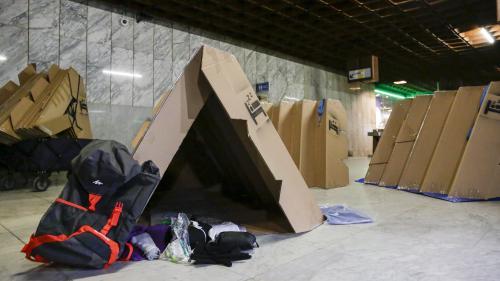 nouvel ordre mondial   Belgique : des abris en carton pliants distribués aux SDF