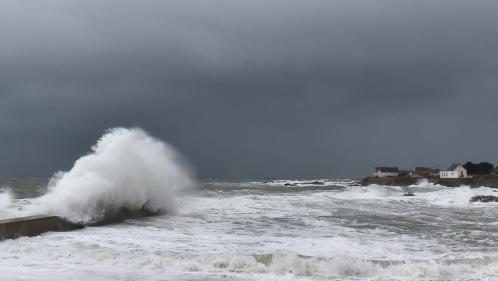 DIRECT. Tempête Carmen : 40 000 foyers privés d'électricité en Bretagne