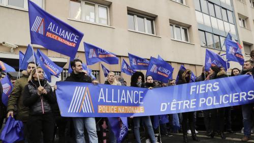 """""""On en a marre de cette haine anti-flic"""" : des policiers se rassemblent après l'agression à Champigny-sur-Marne"""