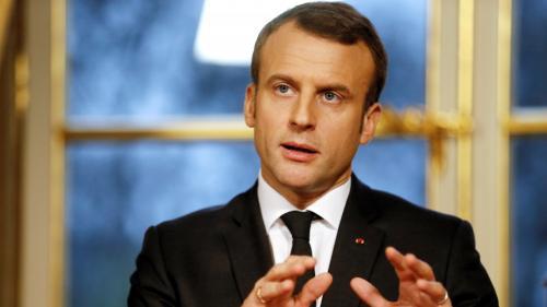 """Iran : Emmanuel Macron, """"préoccupé"""", appelle Hassan Rohani à """"la retenue"""""""