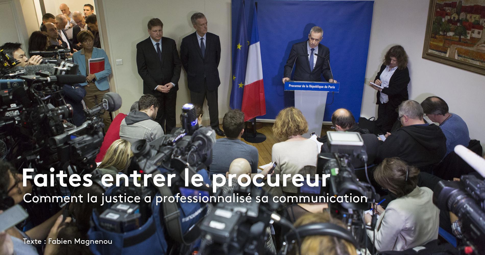 Le procureur de Paris François Molins lors d\'une conférence de presse au palais de justice, le 14 novembre 2015, au lendemain des attaques commises à Paris et à Saint-Denis.