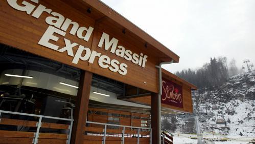"""Skieur mort à Morillon: """"Il y a eu comme une mini-tornade qui a fait s'envoler les arbres"""", selon le directeur de la station"""