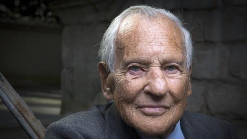 """""""Je suis toujours là"""" : """"Le Point"""" publie des extraits du roman posthume de Jean d'Ormesson"""
