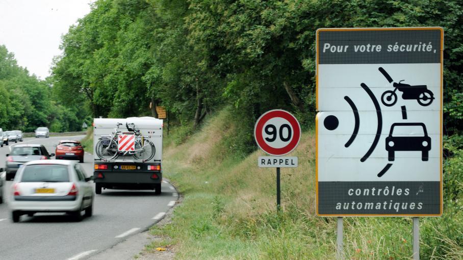 routes secondaires 80 km h edouard philippe d fend la mesure au risque d 39 tre impopulaire. Black Bedroom Furniture Sets. Home Design Ideas