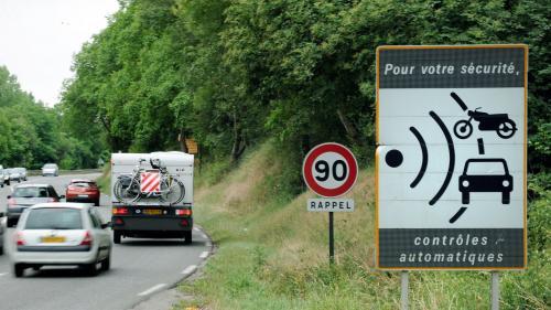 """Routes secondaires à 80 km/h: Edouard Philippe défend la mesure, au risque d'être """"impopulaire"""""""