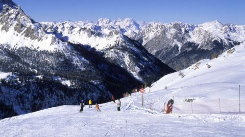 """VIDEO. Savoie : des chutes de neige comme il n'en arrive qu'""""une fois tous les 30 ans"""""""