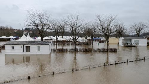 DIRECT. La vigilance orange levée dans six départements, neuf restent en alerte aux inondations, aux orages ou aux avalanches