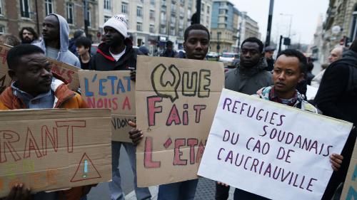 Migrants : plus de 100 000 demandes d'asile en France en 2017, en hausse de 17% par rapport à 2016
