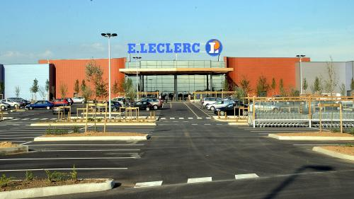 Lait infantile contaminé : E.Leclerc reconnaît avoir vendu des produits Lactalis malgré le rappel en vigueur