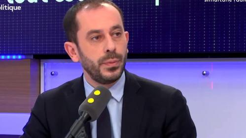 "Tout est politique. Les dirigeants socialistes devraient ""commencer par présenter des excuses aux Français"""