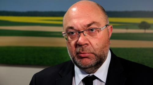 """Lait infantile contaminé : """"Il y a des sanctions qui vont devoir être prises"""", estime le ministre de l'Agriculture"""