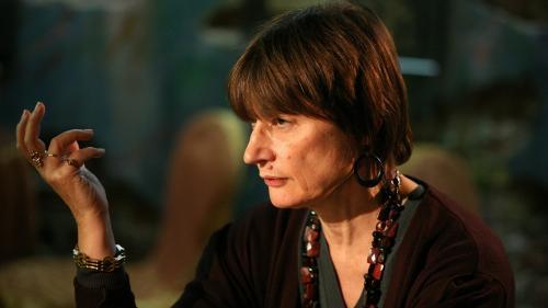 """Trois choses à savoir sur Catherine Millet, corédactrice de la tribune sur la """"liberté d'importuner"""", qui """"regrette de ne pas avoir été violée"""""""