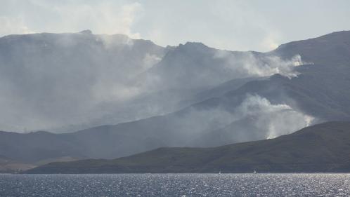 Haute-Corse : alors que de fortes rafales balaient l'île, le feu de Sisco est maîtrisé
