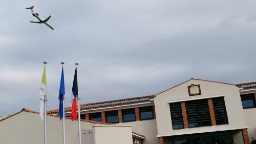 """""""Si on agrandit la piste, elle arrive au bout de mon jardin !"""" : des riverains de l'actuel aéroport de Nantes décidés à résister"""