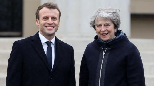 """DIRECT. Emmanuel Macron et Theresa May signent un traité pour """"renforcer la gestion conjointe de la frontière"""" franco-britannique"""