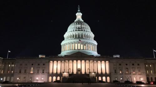 """Etats-Unis : sept questions sur l'entrée en vigueur du """"shutdown"""", qui plonge l'administration Trump dans l'incertitude"""