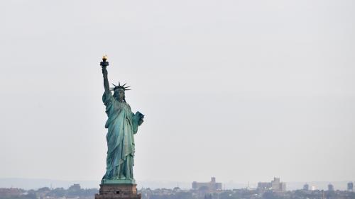 """Etats-Unis : fermée pour """"shutdown"""", la statue de la Liberté va rouvrir grâce à l'Etat de New York"""