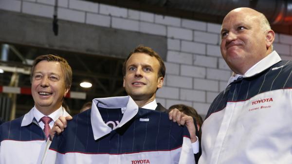 Économie : Emmanuel Macron reçoit 140 patrons pour les convaincre d'investir en France
