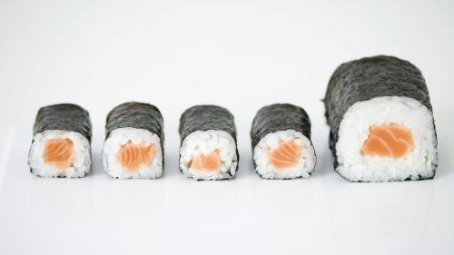 Etats-Unis : un adepte quotidien des sushis infecté par un ver de 1,70m de long