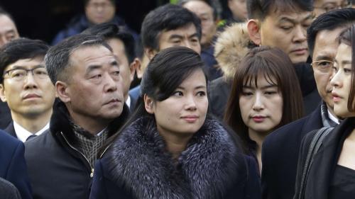 VIDEO. Une star de la musique nord-coréenne conduit la délégation olympique à Séoul