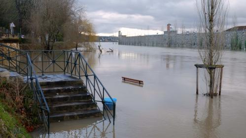 DIRECT. 30 départements en vigilance orange pour des risques d'inondations