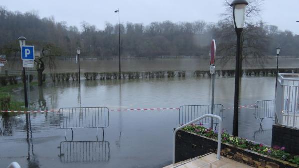 Les cours d'eau débordent un peu partout en France