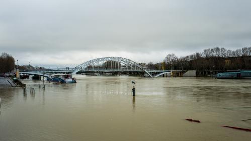 DIRECT. Météo : face aux crues, des camions militaires envoyés en renfort dans le Val-de-Marne