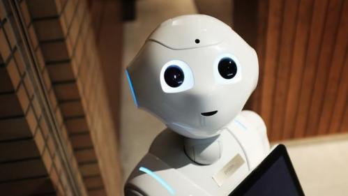 nouvel ordre mondial   BLOG. Fabio, le premier robot employé par un supermarché britannique se fait virer parce qu'il faisait peur aux clients