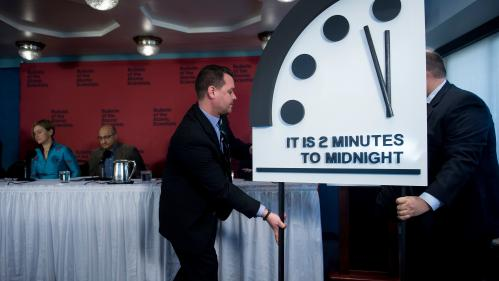 nouvel ordre mondial | Il est minuit moins deuxminutes : le risque nucléaire fait avancer l'horloge de l'apocalypse