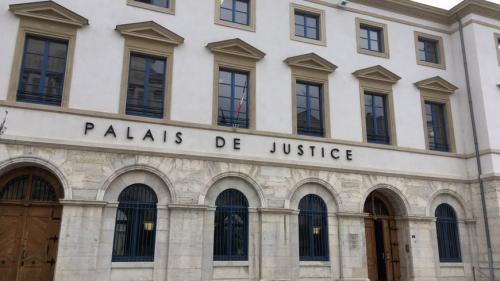 nouvel ordre mondial | Drôme: deux adolescents de 13 et 14ans soupçonnés d'avoir violé une camarade puis diffusé la vidéo sur les réseaux sociaux
