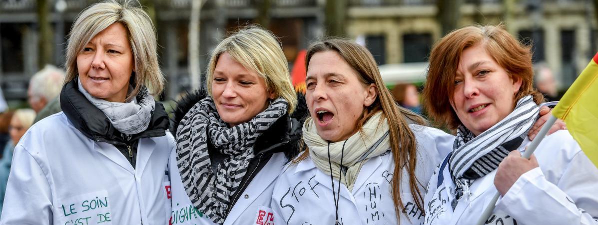 Des aides-soignantes manifestent à Lille (Nord) à l\'occasion de la journée d\'action nationale dans les Ehpad, le 30 janvier 2018.