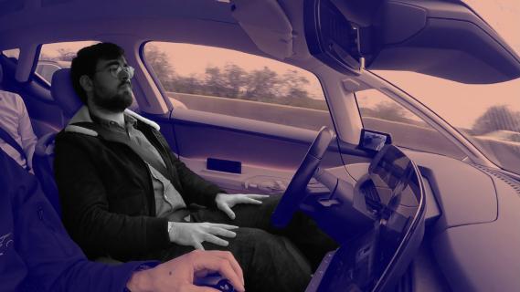 video on a test une voiture autonome 130 km h sur une vraie autoroute fran aise. Black Bedroom Furniture Sets. Home Design Ideas