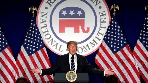 Etats-Unis: après la publication d'une note controversée, Trump accuse ouvertement le FBI de partialité dans l'enquête russe
