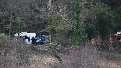 """DIRECT. Crash dans le Var : """"Un hélicoptère est complètement disloqué. Le deuxième a brûlé"""", annonce le préfet"""