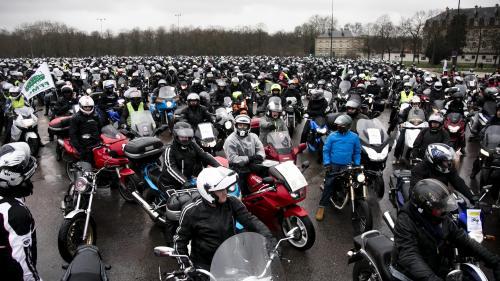 Paris, Toulouse, Rennes... Des motards et des automobilistes manifestent contre la limitation à 80km/h