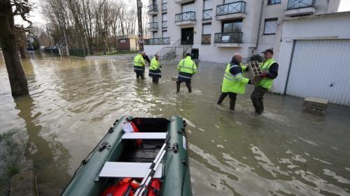 """Après les inondations, le froid: à Gournay-sur-Marne, c'est """"des chaussettes, un foulard et les chats dans la chambre"""""""