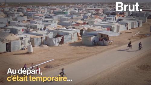 Avec plus de 80 000 réfugiés syriens, le camp de Zaatari est le plus vaste du Moyen-Orient