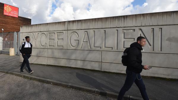 """VIDEO. """"J'ai peur"""" : une enseignante et une lycéenne témoignent des violences au lycée Gallieni de Toulouse"""